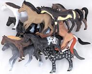 10 pupazzi a forma di cavallo