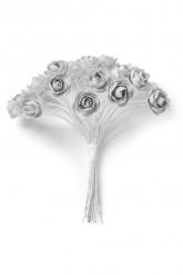 24 piccole rose di color grigio chiaro con lo stelo