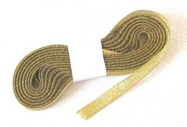 Nastro dall'aspetto metallizzato oro