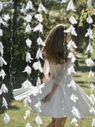 Ghirlanda bianca con piume