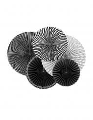 5 rosoni di carta con motivi neri e bianchi