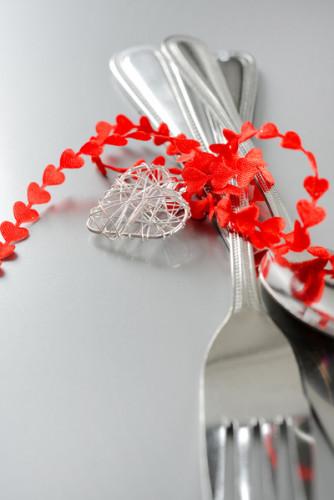 Nastro con cuoricini rossi-1