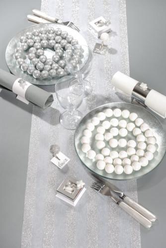 Ghirlanda di piccole palline bianche-1
