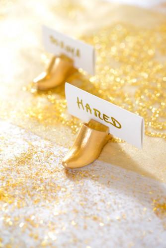 2 segnaposti pantofole orientali da sposa colore oro-1