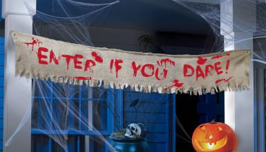 Banner con scritta sanguinante per Halloween