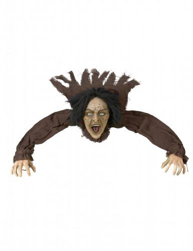 Una strega all'attacco per Halloween