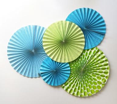 3 ventagli blu di carta-2