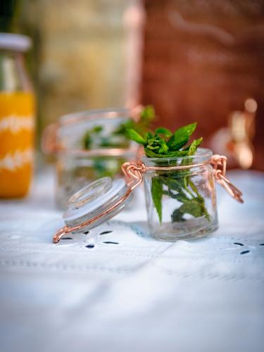 Barattolo in vetro con chiusura color oro rosa 4 x 6 cm 40 ml-1