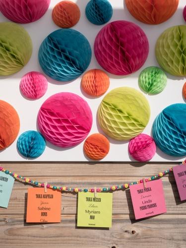 Ghirlanda di perline multicolor con mollette-1