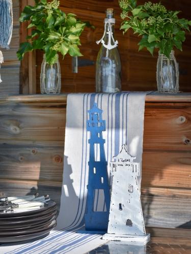 Faro in legno blu 35 cm-1