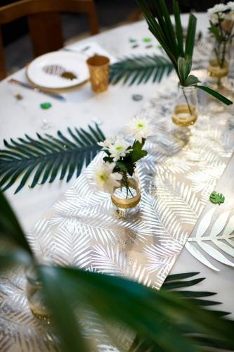 Runner da tavola in lino beige palme oro-1