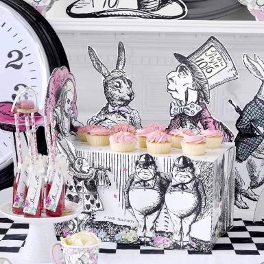 Centrotavola in cartone Alice nel paese immaginario-1