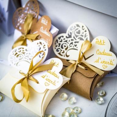 10 mini scatole bianche con nastrino oro-1