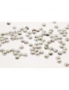 Perle di pioggia di colore argento